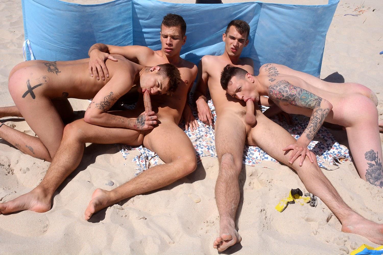 Гей Порно На Пляже