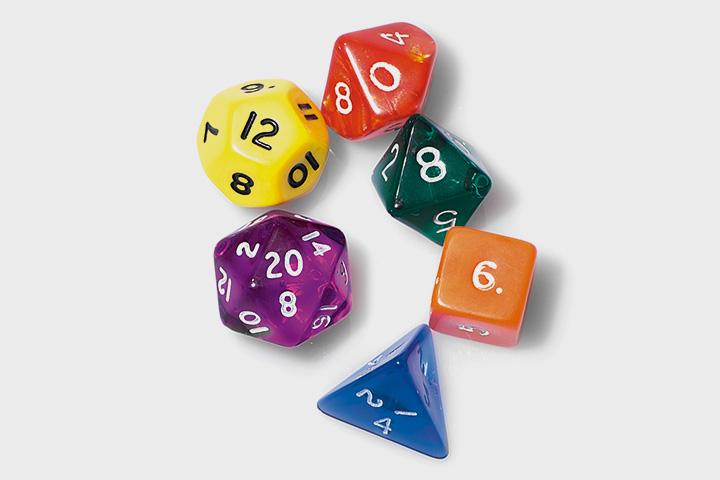 Кубики для игры в D&D могут иметь десятки граней, а кроме того, разные цвета и текстуры. Последнее на ход игры не влияет