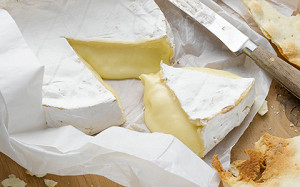 Сыр, мясо, рыба и вино: кто выиграл от продуктовых санкций и кризиса