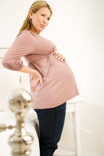 Побаливает живот у беременной