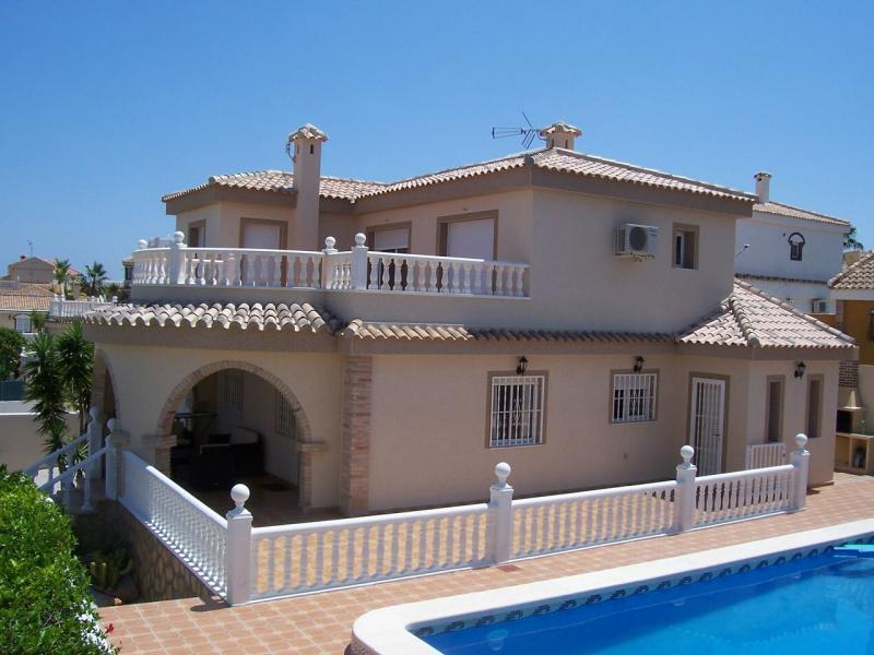 Продажа недвижимости в испании спб