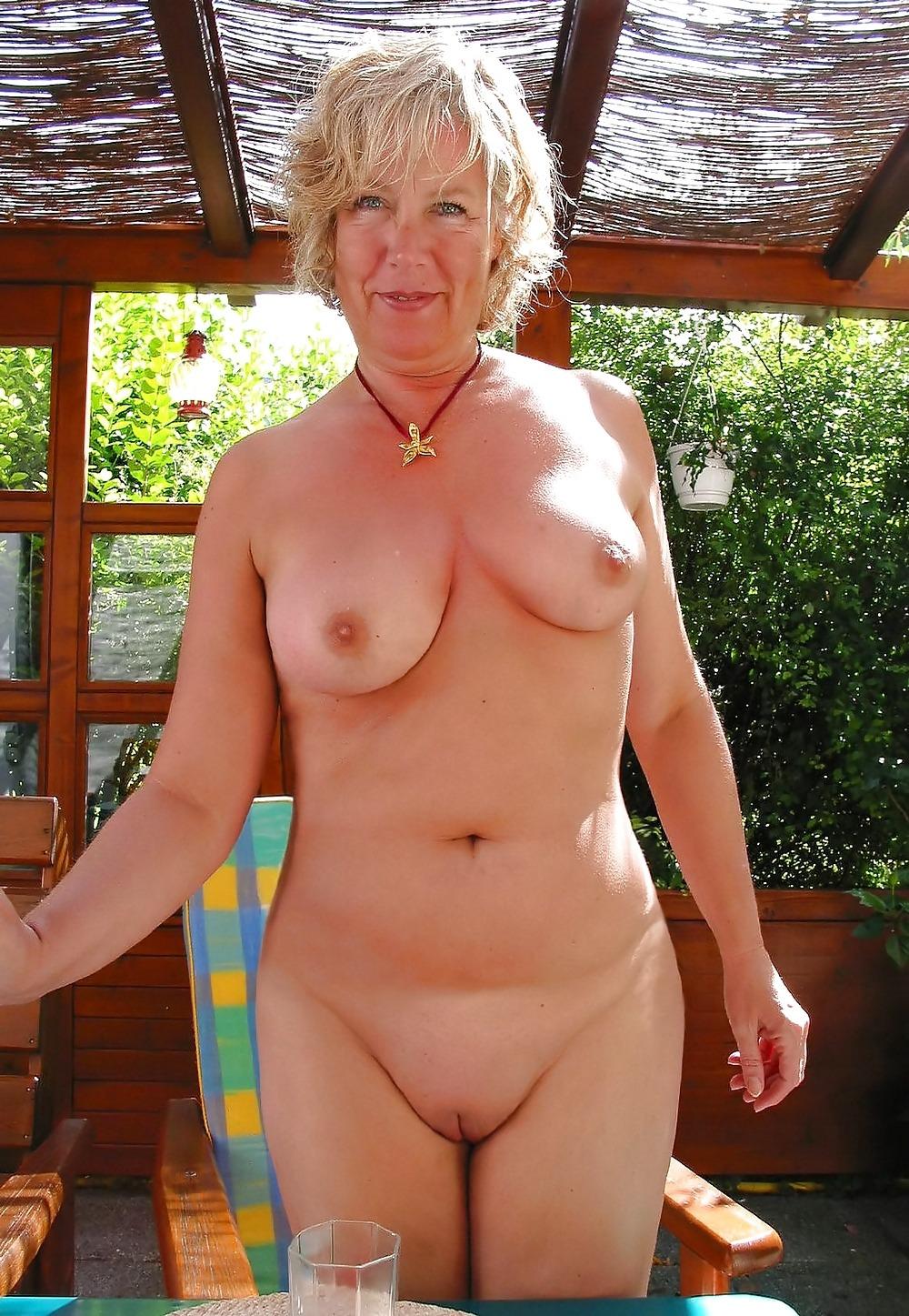 Бабушка нудистка с внучкой фото фото 221-671