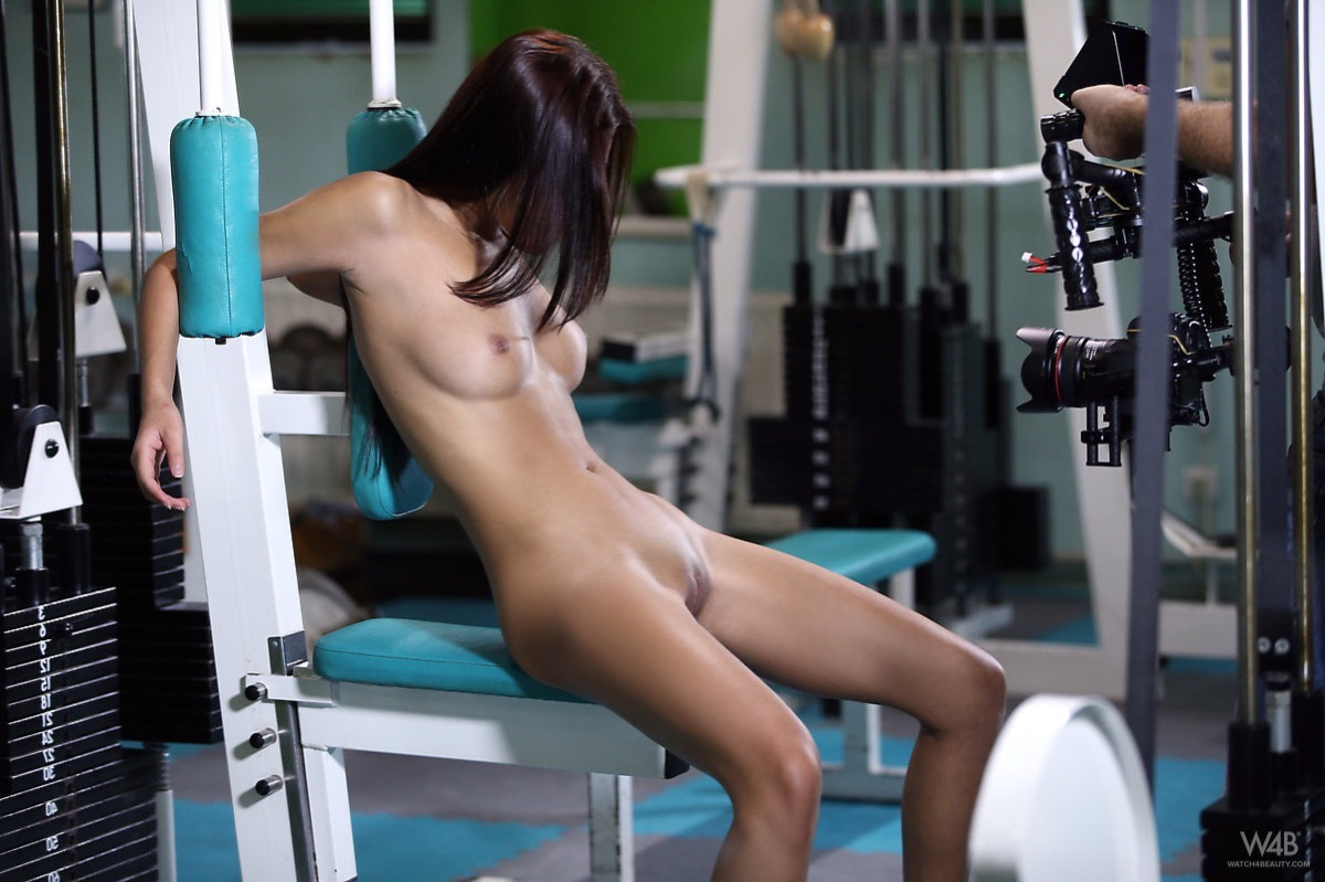 Creampie makes girl squirt