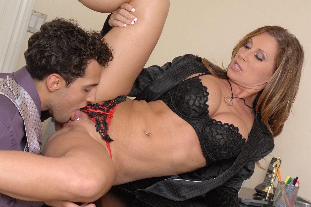 порно видео мамки в белье