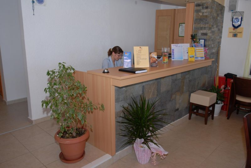 Магазин в остров Теологос