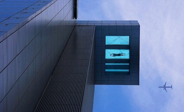 Hotel with glass bottom