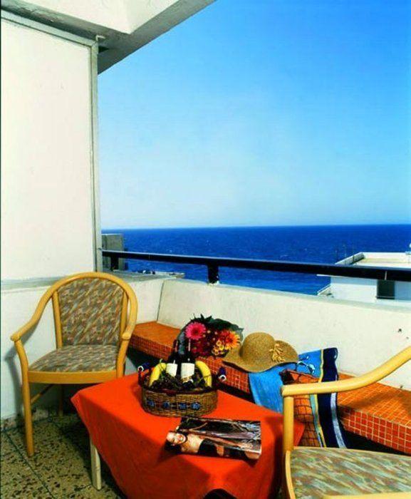 Гостиницу в остров Родос на побережье