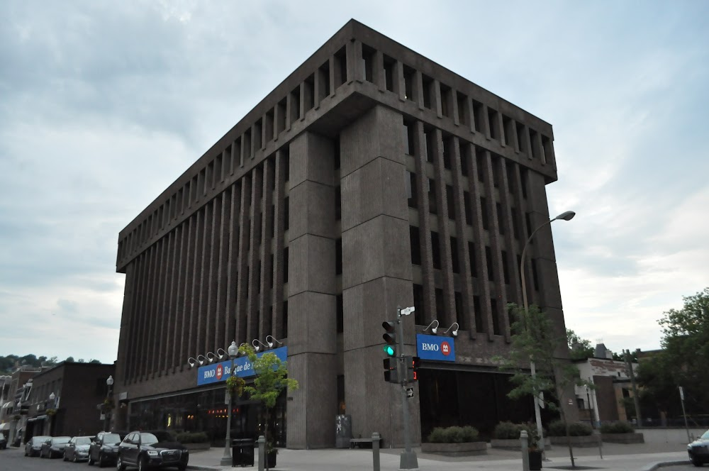 Bmo financial group montreal address queens