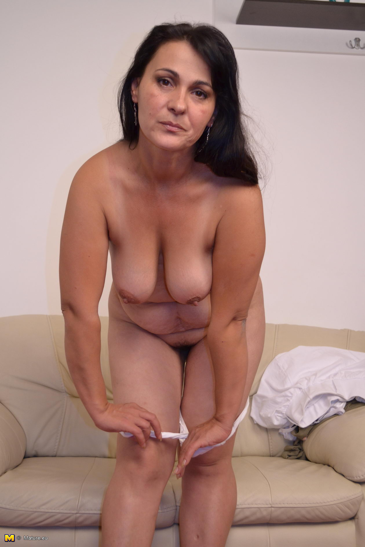 mature women galleries thumbnails - milf