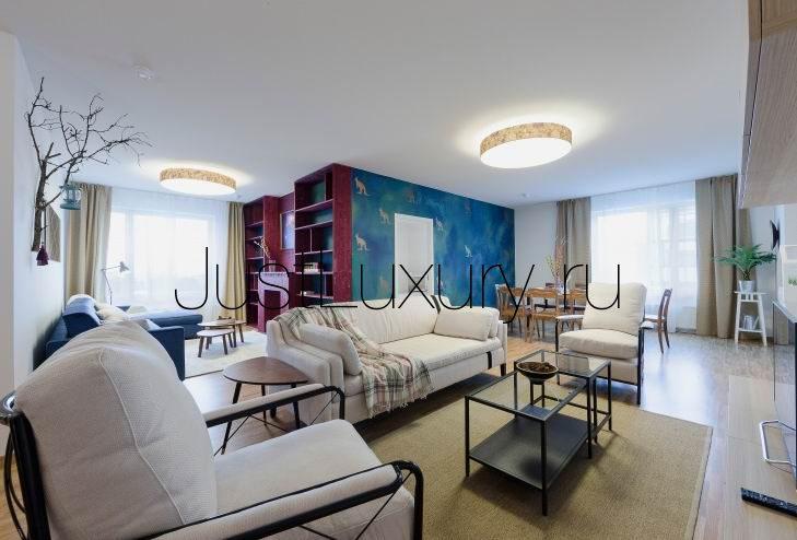 Четырёхкомнатная квартира в испании у моря стоит
