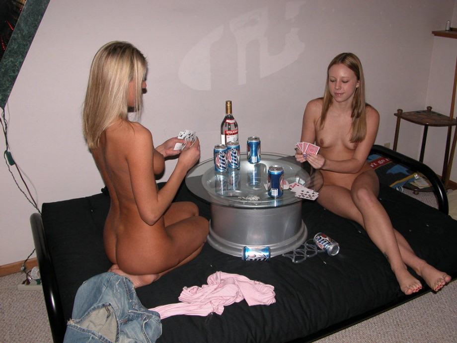 Blond teen takes off her