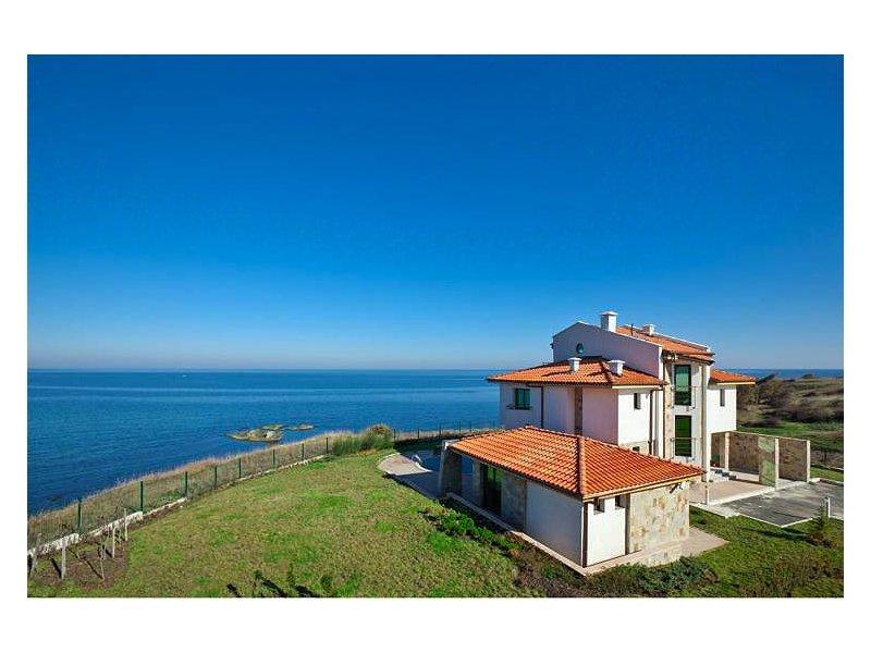 Авито недвижимость в испании у моря недорого в рублях