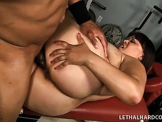 Teen doesn do hard