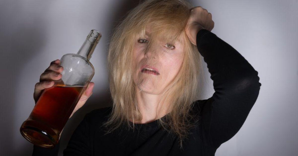 Как избавиться от алкоголизма у женщин