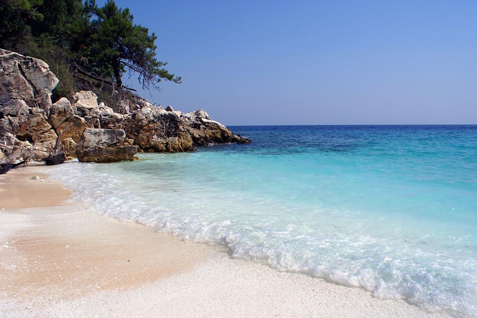 Дом в остров Тасос на берегу моря не дорого
