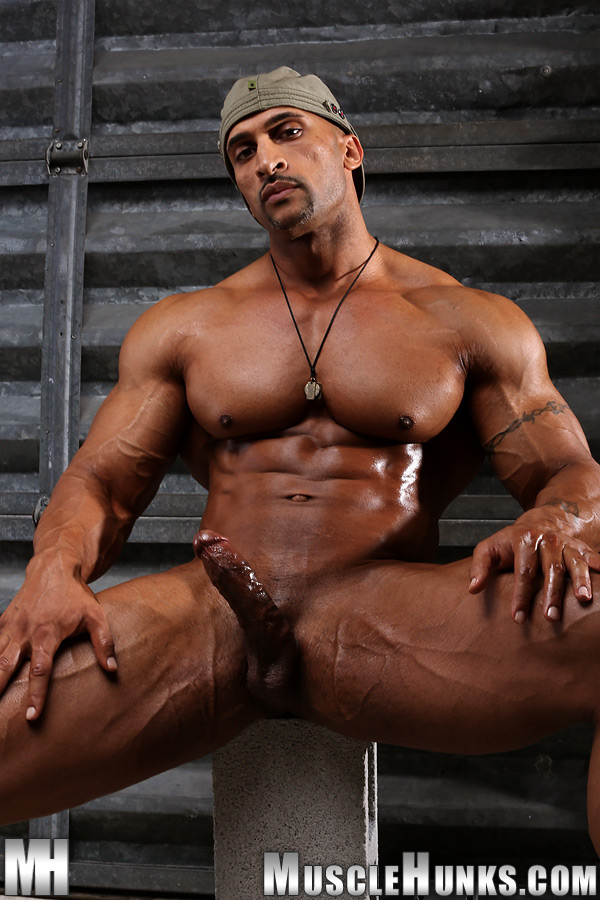 dirty muscley hunks anal fuck