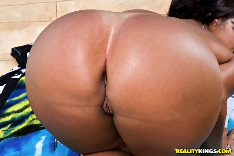 Adult bomis hot wife