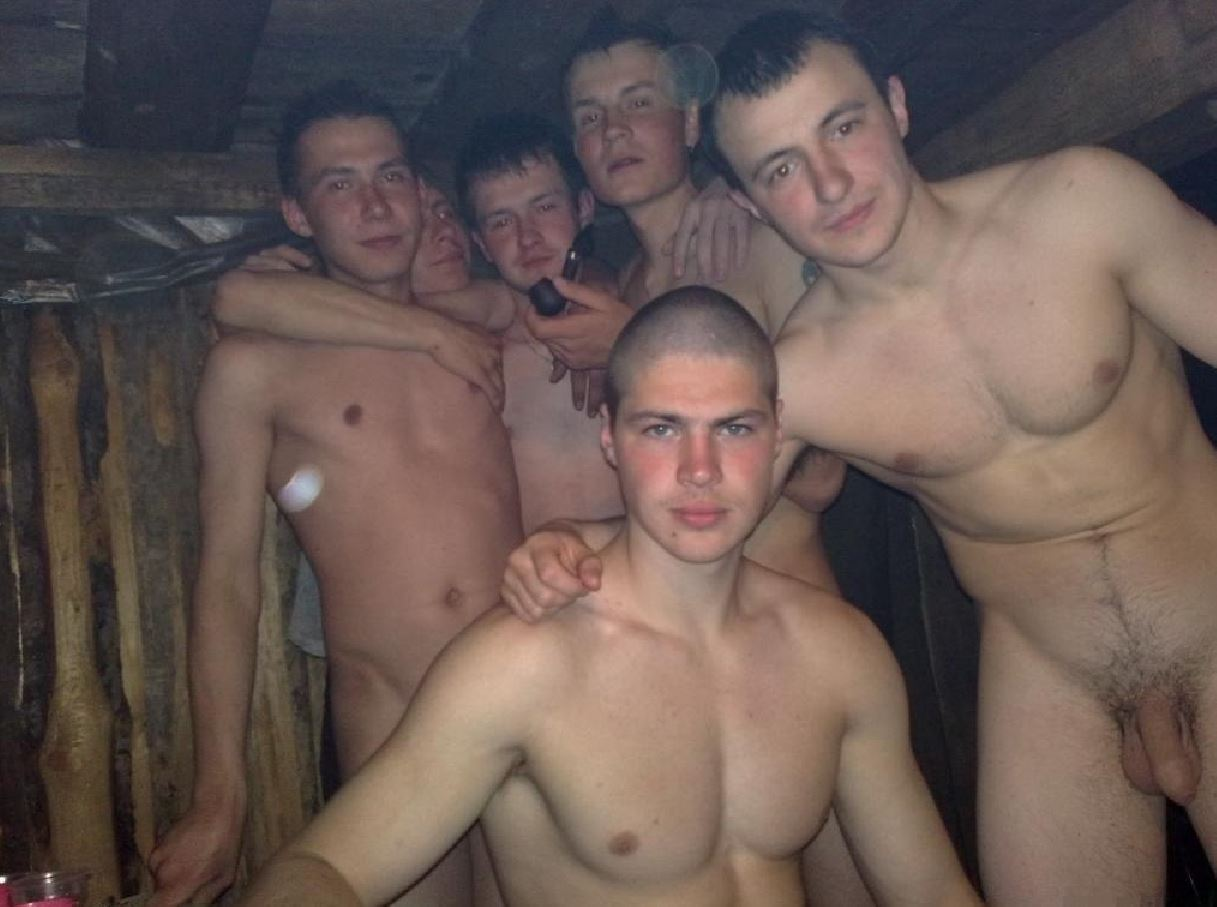Русские парни голышом