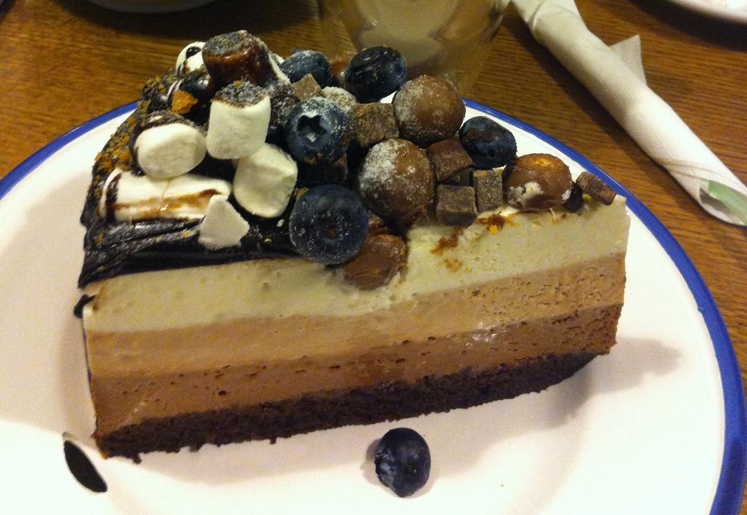 Ресторан OMG! Coffee - фотография 2 - Три шоколада