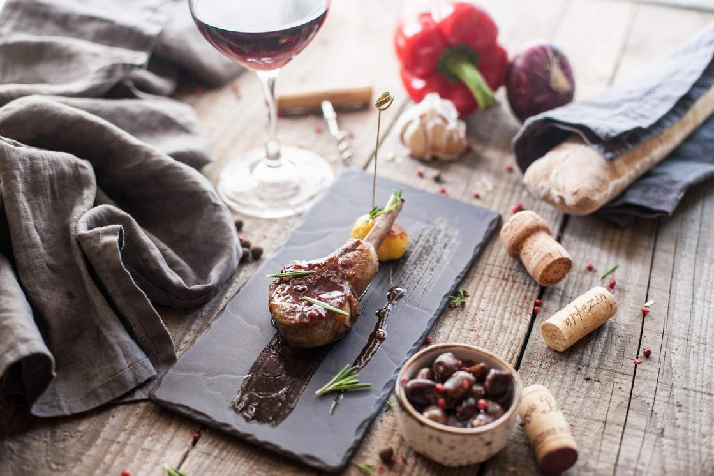Ресторан Cork Wine Bar - фотография 9 - Тапас-меню
