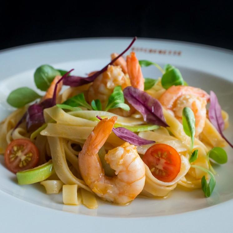 Ресторан Kitchenette - фотография 18 - Фетучини с креветками