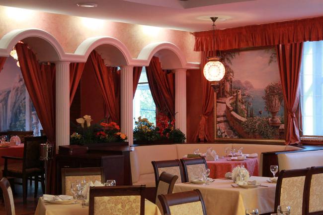 Ресторан Апшерон - фотография 2 - Основной зал Ресторана Апшерон
