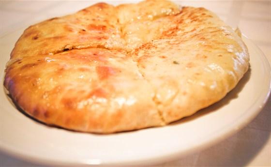 Ресторан Хинкали & Хачапури - фотография 3 - Хачапури имеретинские
