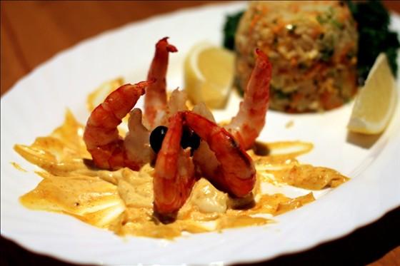 Ресторан Улица разбитых фонарей - фотография 5 - Подача блюда