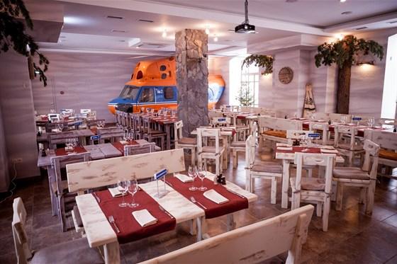 """Ресторан Экспедиция. Северная кухня - фотография 2 - Основной зал ресторана """"Экспедиция"""""""