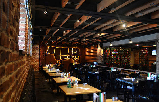 Ресторан Bukowski Grill - фотография 1