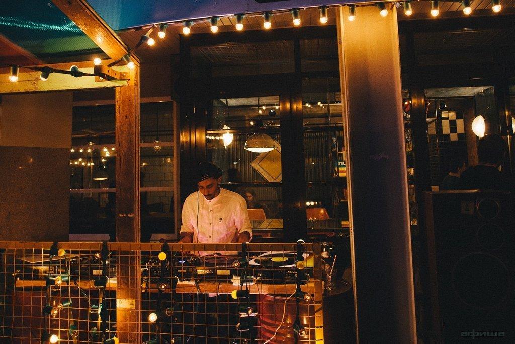 Ресторан Салют Burgers - фотография 10