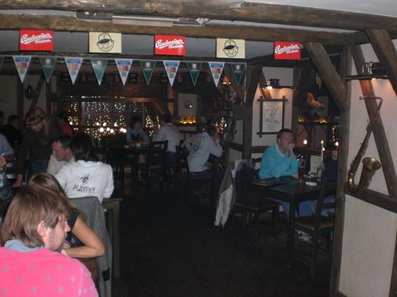 Ресторан Ганс и Марта - фотография 2 - Да!!!!Аншлаг!!!Столики лучше заказывать заранее!!