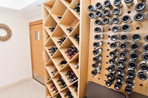 Ресторан Променад - фотография 7 - Роскошная коллекция вин