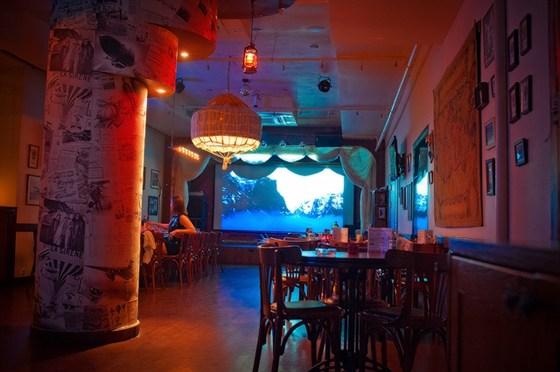 Ресторан Авиатор - фотография 4 - Зал ресторана