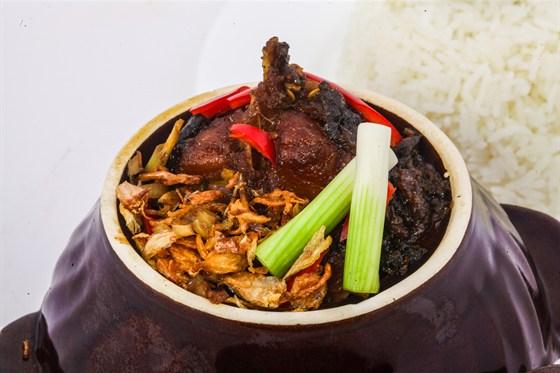 Ресторан Золотой бамбук - фотография 42 - КОМ КА ЧЕП КХО ТО Рис, рыба, в соевом соусе.