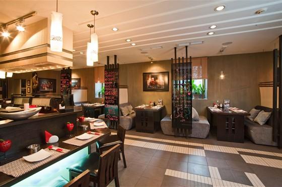Ресторан Wok - фотография 6 - Основной зал