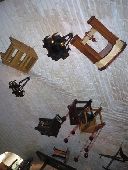 Ресторан Табурет - фотография 1 - Потолок ресторанчика