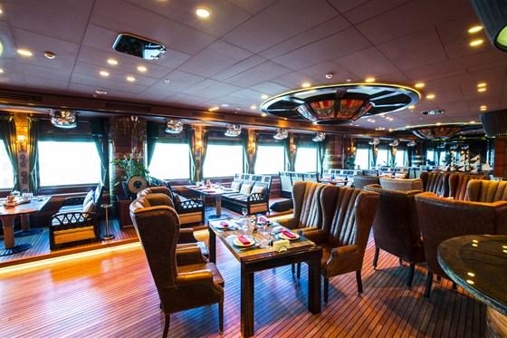 Ресторан Лодка - фотография 25 - Основной зал