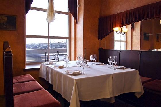 Ресторан Pont Eiffel - фотография 2 - Малый зал (бистро)