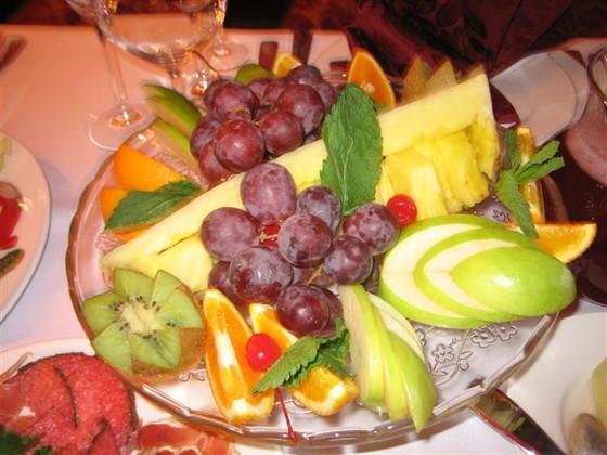 Ресторан Красный кабачок - фотография 12 - Тарелка с фруктами.