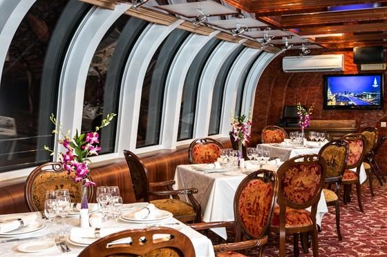 Ресторан Флотилия Рэдиссон Ройал - фотография 4