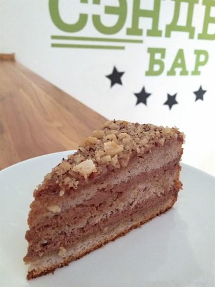 Ресторан Сэндвич-бар - фотография 2 - Шоколадно-ореховый торт