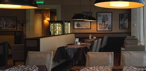 Ресторан Mascotte - фотография 9 - Интерьер кафе