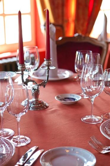 Ресторан La colline - фотография 13 - Красный зал