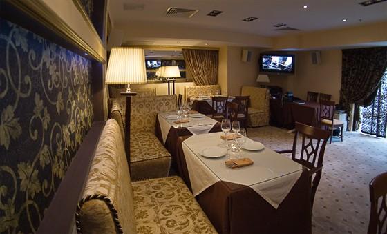 Ресторан У Кремля - фотография 7 - VIP-зал оборудованный караоке