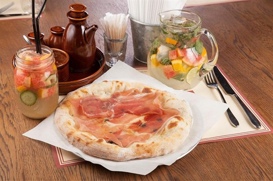 Ресторан Montalto - фотография 1 - Пицца Артесан