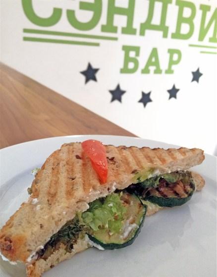 Ресторан Сэндвич-бар - фотография 7 - сэндвич с цуккини и сыром рикотта