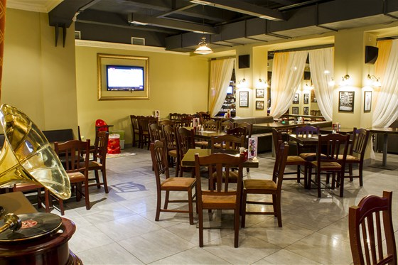 Ресторан Сухой закон - фотография 2 - Нижний зал