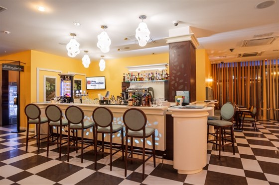 Ресторан Hilton Garden Inn - фотография 2