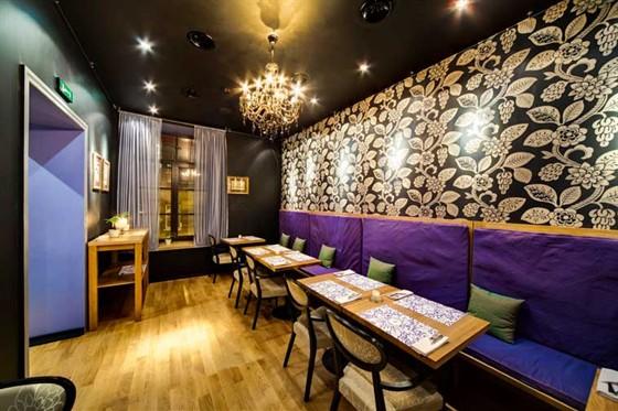 Ресторан Черника  - фотография 2 - Черника кафе интерьер зал для банкетов